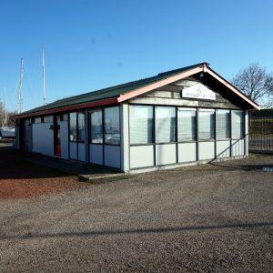 Clubhuis botenstrandje WV Arne